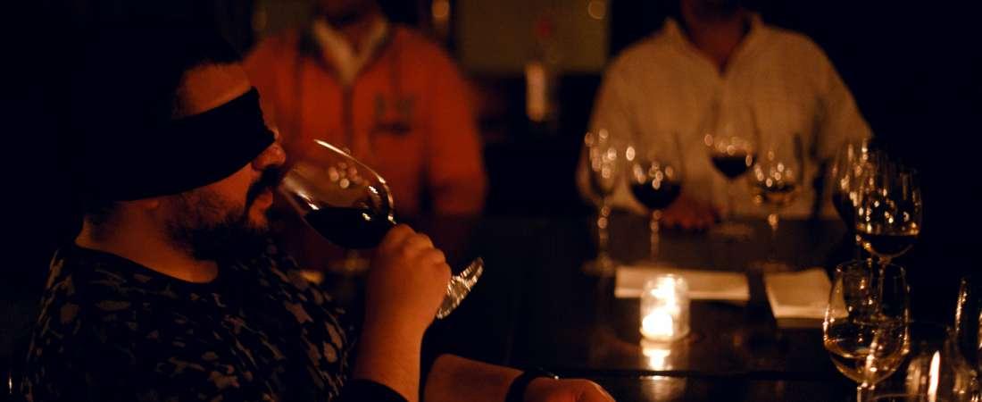 """Maridaje de cultura y vinos para aprender a """"ver"""" a través de las emociones"""