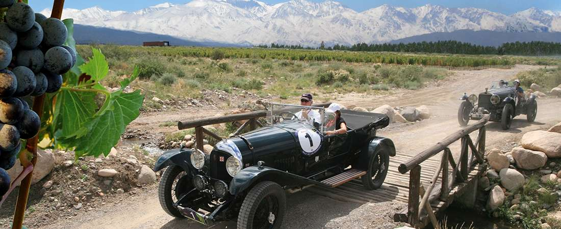 Carros & vinos: 80 autos antiguos corren el Rally de las Bodegas